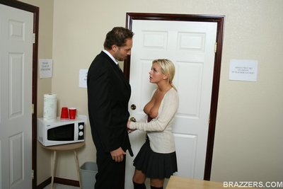 Large titted office doxy Bree Olson has backdoor fucking action and gives blowjobs