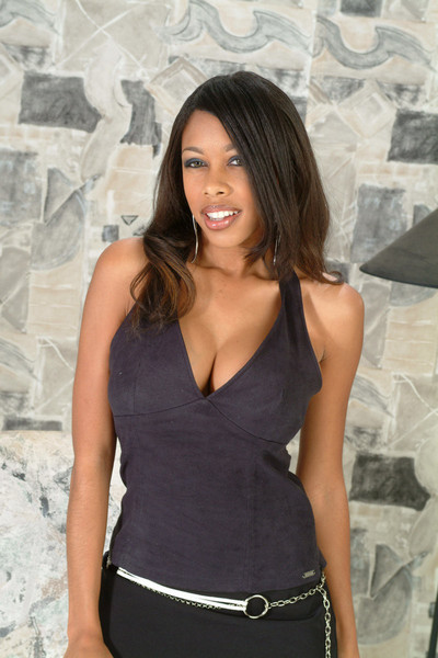 Ebon young girlfriend posing in strap