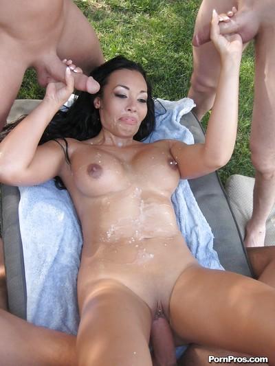 Seductive vixen Rio Lee is loves hardcore groupsex by the pool