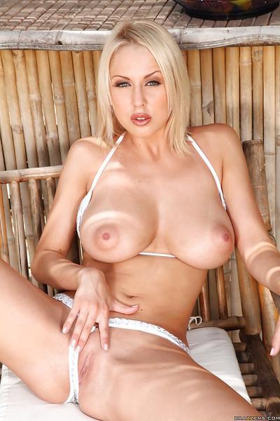 Pretty milf Mandy Dee with huge pantoons in bikini acquires nasty