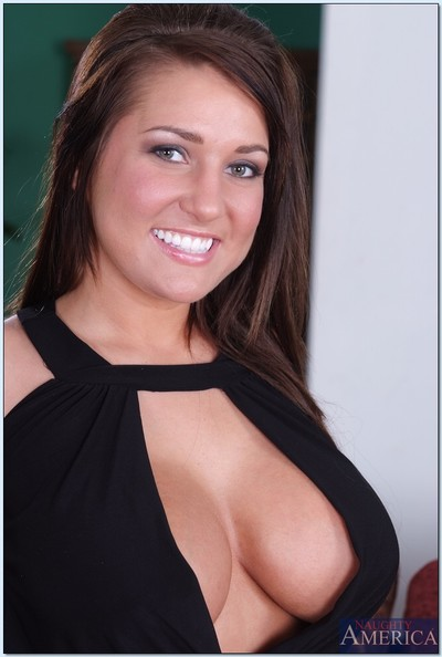 Lovesome brown hair wife Lizzy Styles flashing her weighty juggs and love-cage