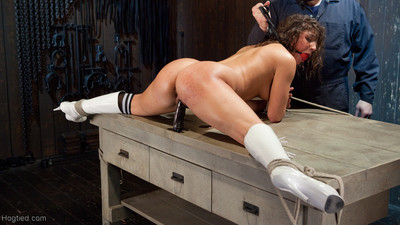 Abella is a ache cheerleader that walks around showing off her wazoo to the dudes