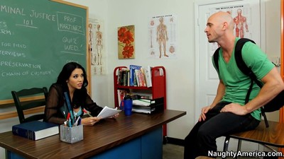 Advisor missy martinez gives a lesson to a student