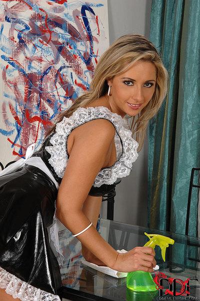 Leggy fairy-haired MILF Daria Glower jerking phallus with barefeet in woman servant uniform