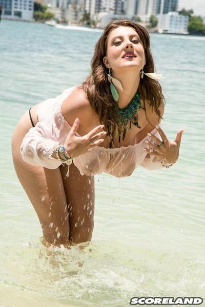 Pornstar valory irenes florida vacation in extreme bikini