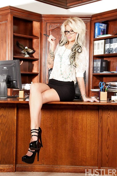 Golden-haired amateur solo doll Jessa Rhodes modeling for pornstar images in office