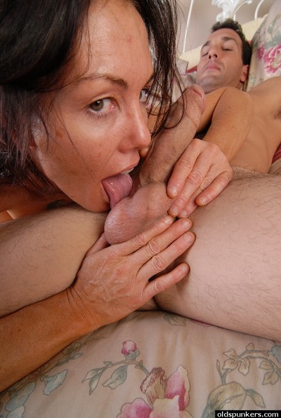 Full-grown dark hair Nancy heavenly spunk fountain on face later on testicle licking and facefucking