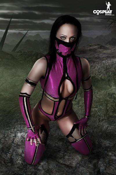 Cosplayerotica  milena mortal kombat bare cosplay