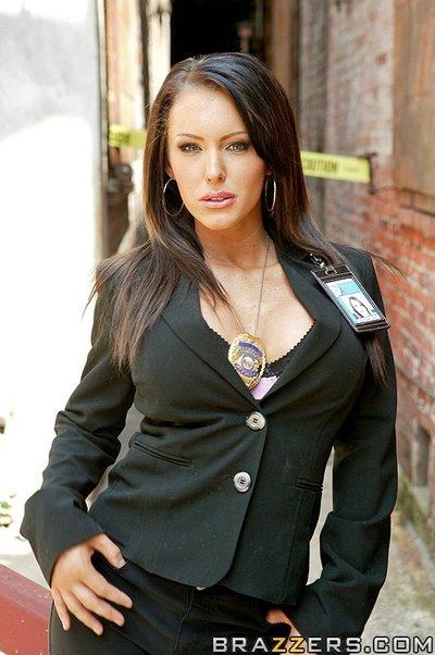 Sizzling pornstar with massive billibongs Jenna Presley has intercourse a massive rough stick