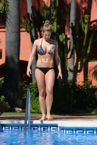 Gemma atkinson titsy in floral bikini poolside
