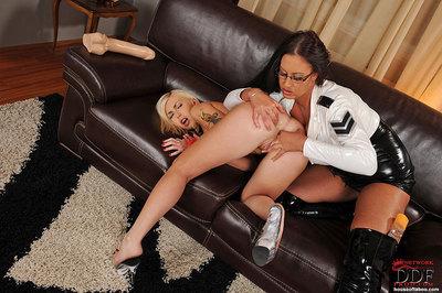 Breasty fixation beauty Emma Ass dongs a massive tool likes hot blonde