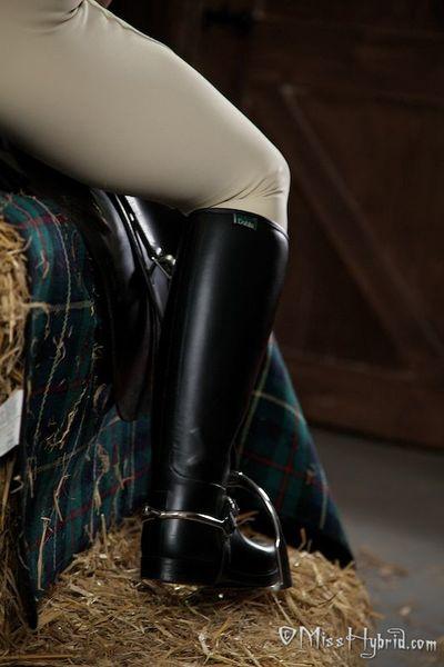 Miss Hybrid Superficial Access Equestrienne Wear