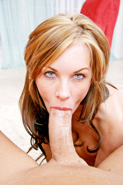 Sultry brandi edwards gives physical vast throating