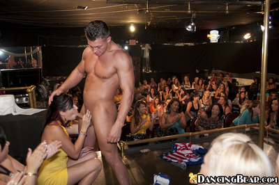 Cock juice concupiscent gathering beauties engulf and jerk a malestripper