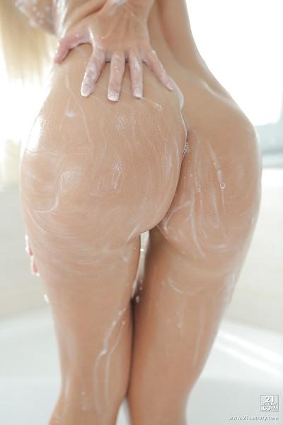 Fairy pornstar princess with vast regular melons Dido Cutie takes a bath