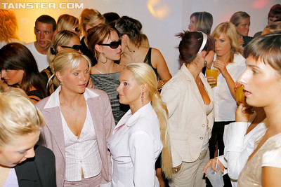 Seductive princesses are likes oral-stimulation contest at the drunk get-together