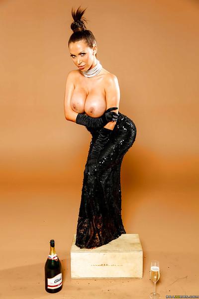 Astounding tanned milf Nikki Benz positions enjoy a celebrated Holywood star!