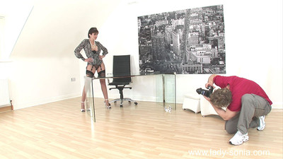 Fabulous milf lady sonia bonks her own photographer