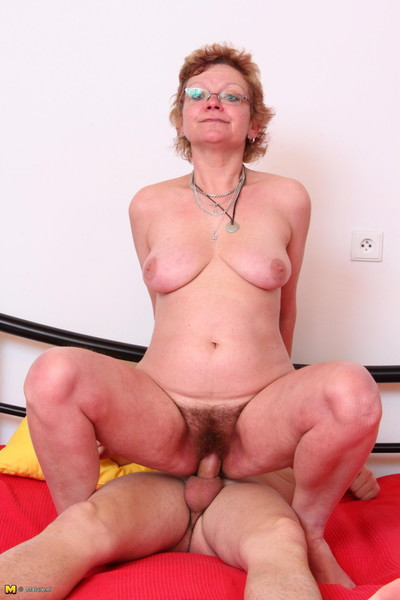 Appealing ripe doxy getting penetrated by her gear stud sub