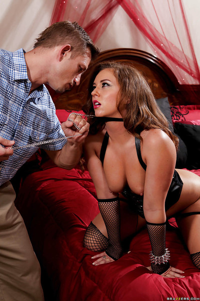 Maddy Oreilly is action hand gig and has her throat drilled