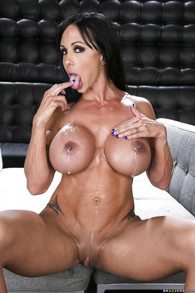 Titsy MILF Jewels Jade receives blowbanged and penetrated by triple studly stallions