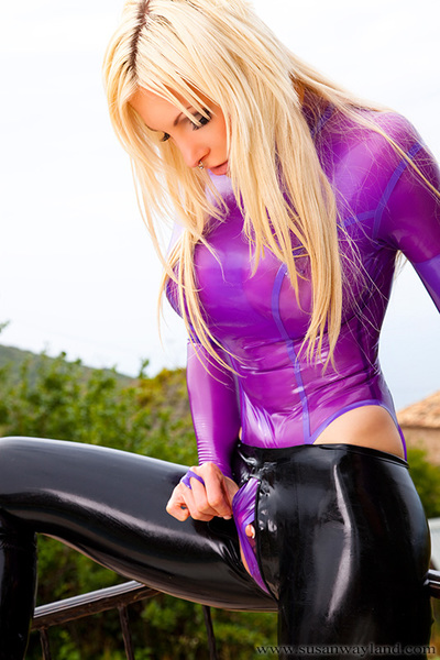 Getting Tacky Jo-bag Gal contains 110 marvelous latex pictures. Participate Sway in clammy transparent rubber!