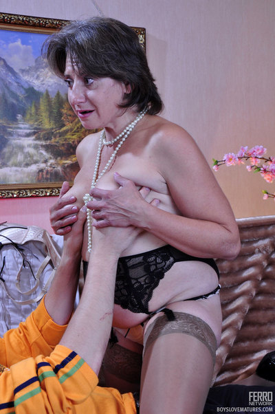 Lusting for younger chaps mom goes hardcore with a spunky next-door male