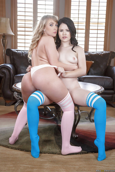 Pornstars Yhivi and Harley Jade brushing play girl-on-girl cages of love in aspire socks