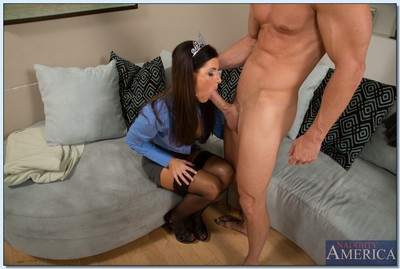 Slutty MILF India Summer gets a facial later on hardcore smoking