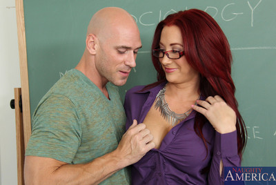 Curvy patriarch Jayden Jaymes has act of love on her desk and sleeps with her student.