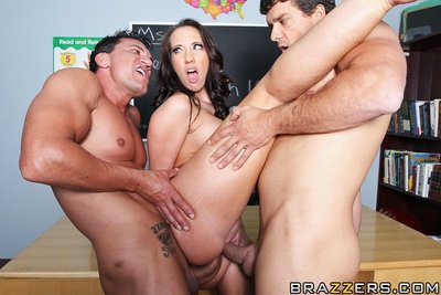 Kelly Devine is a exchange daddy for Remedial English 101. Her students Ramon and Marco are earnest in their attempt to overcome their difficulty with the language but are even greater quantity equipped on trying to accept admires Kelly is pants. They per
