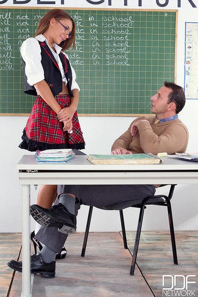 Appealing schoolgirl penetrated intense