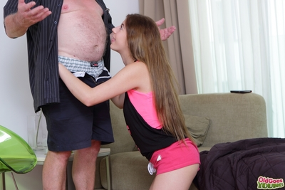 Rita ordered a pizza and now for delivering it to her, the ancient guy accepts a blowjob. This babe likes stuffing phallus all the species down her amateur throat!