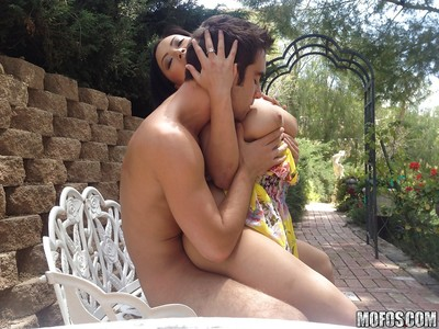 Infant oriental adolescent beauty Gia Lee gives a oral play and gains penetrated outdoor