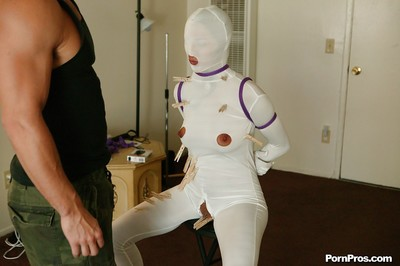 Lizz Tayler gives a oral sexual act and swells her haunches equipped for Bondage sexual act