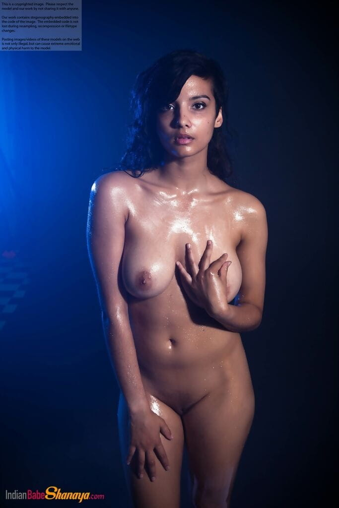 Indian princess shows off her massive accustomed front bumpers whereas modeling in the uncovered