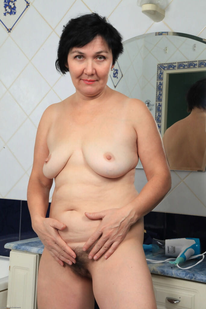 Plump melodious lady Yulya masturbates whilst glorious a shower
