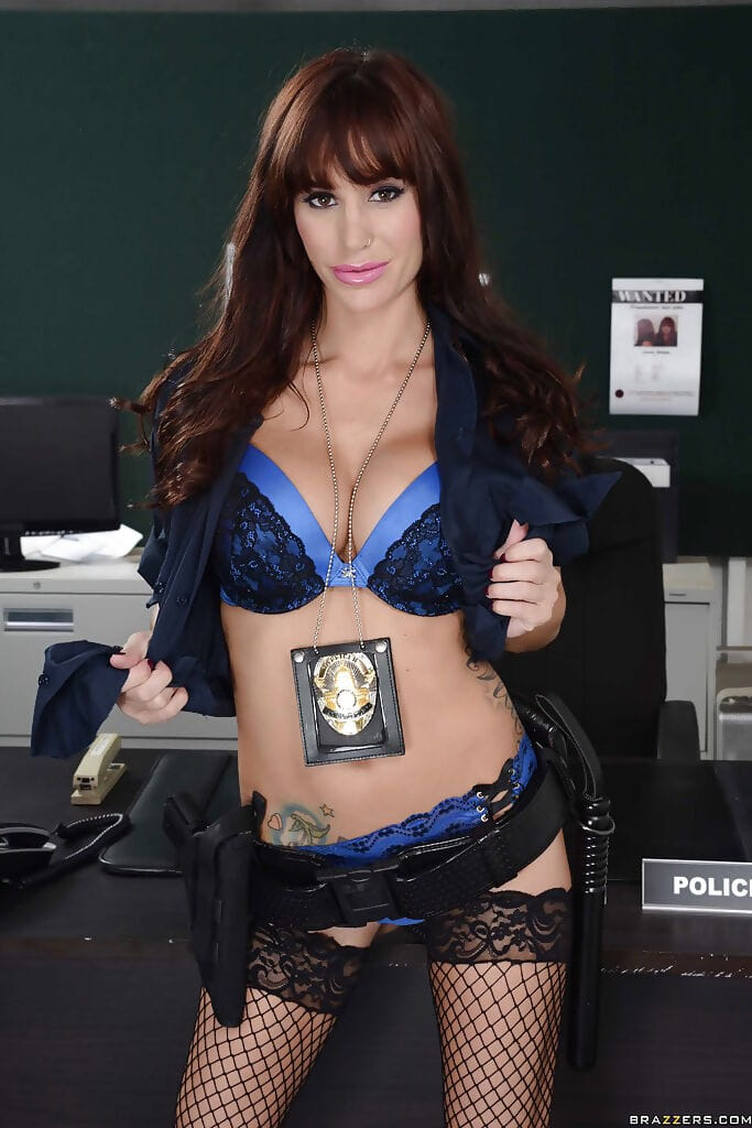 Damp bombshell in police uniform Gia Dimarco erotic dance and toying her arsehole