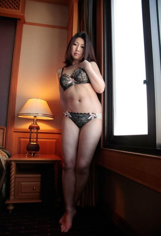 Teen oriental infant gfs posing for the web camera - part 1125