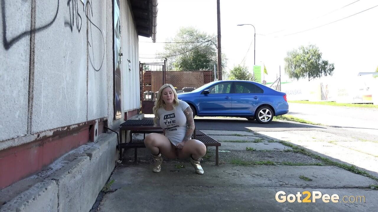 Bulky fairy-haired gal in fixed petticoat squats to take a sticky piddle in pubic