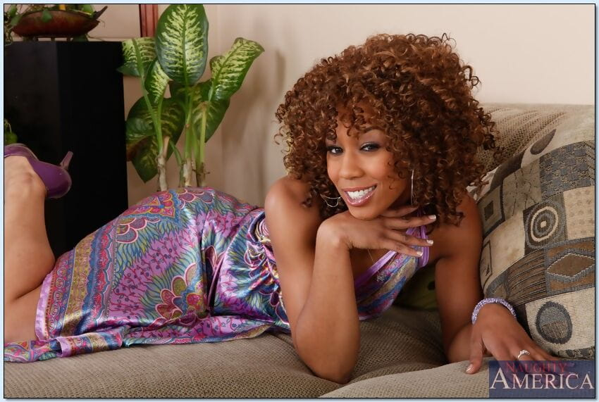 Hirsute African wife Misty Stone shows her fascinating passionate vagina