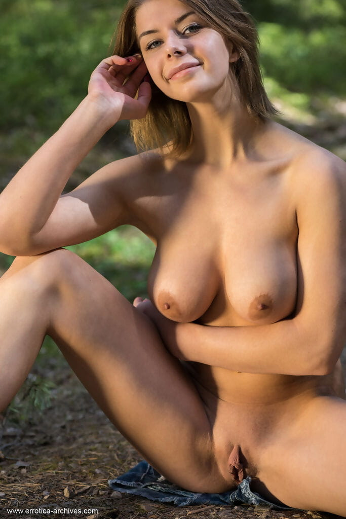 Giant boobed brown hair Yelena revealing her rock hard clammy muff in the woods