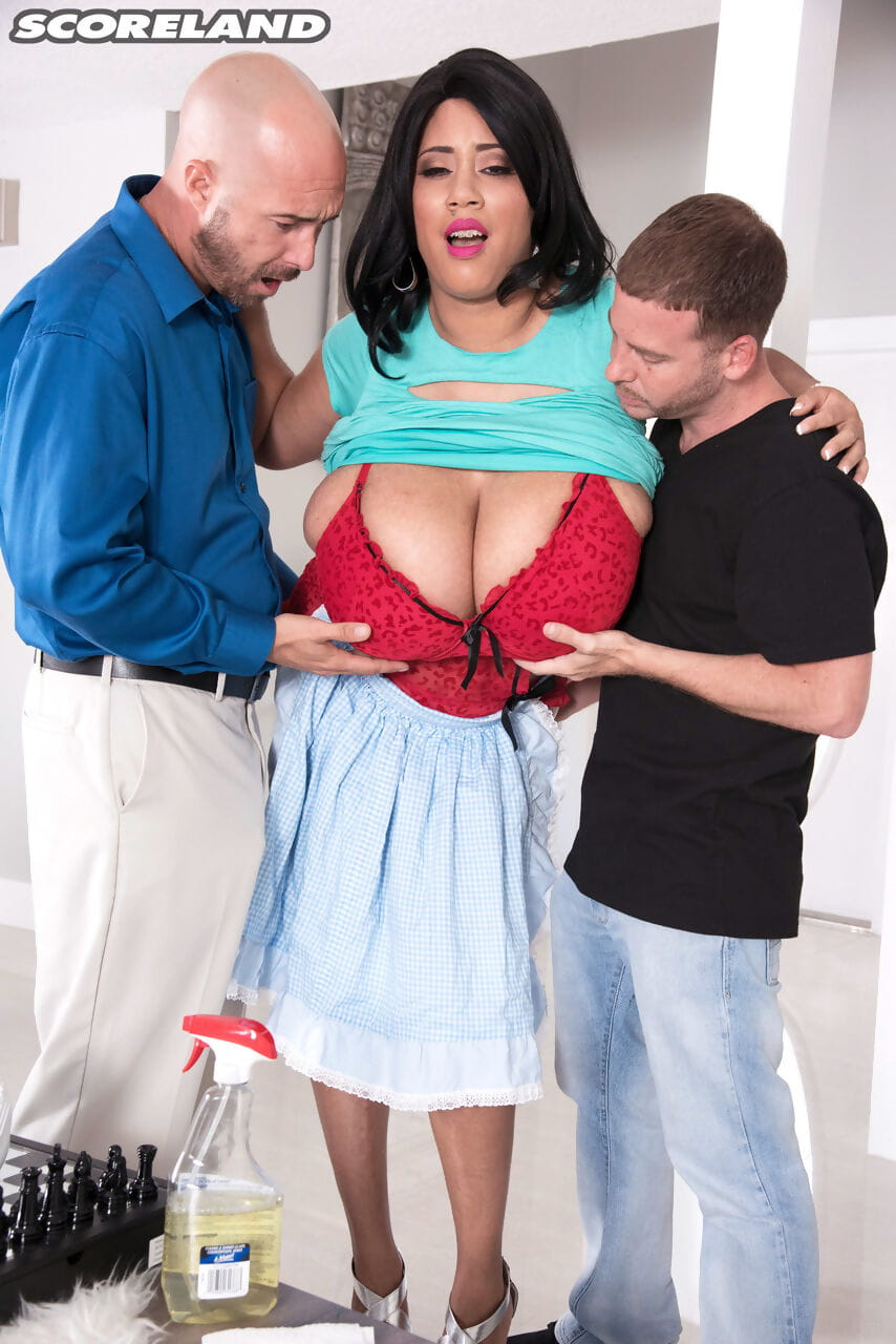 Brown hair housewife slave Roxi Red gives up her severe mambos to dual fellows right away