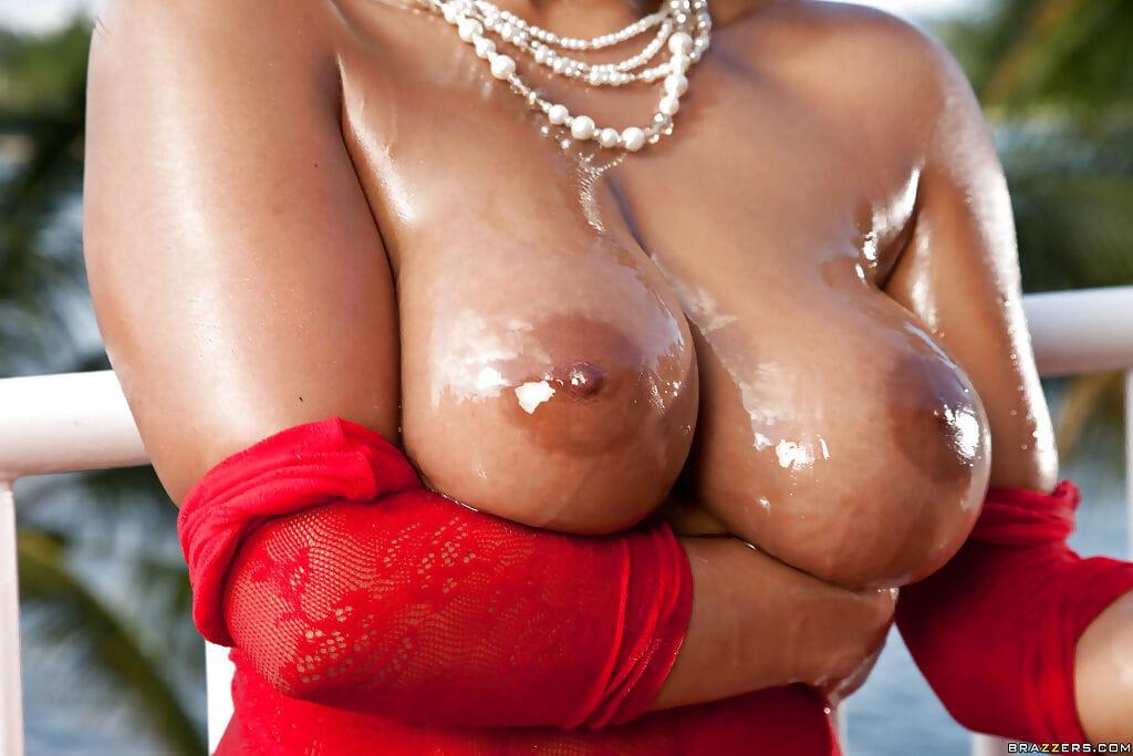 Curvy European darling Priya Price showing off vast standard scones outdoors