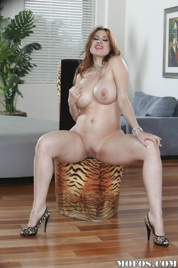 Wazoo and large love bubbles of fatty ready Latin chick Sheila Marie are wonderful