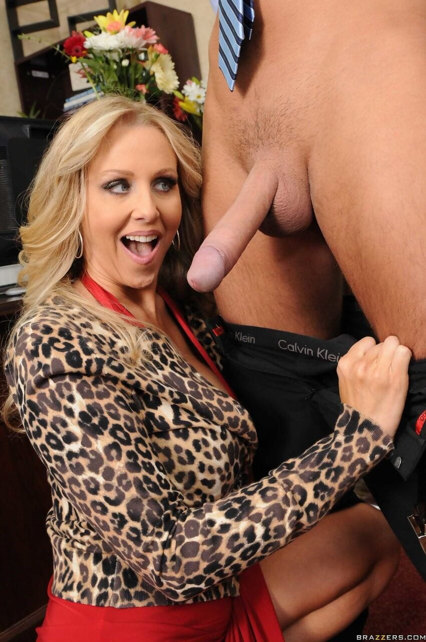 Experienced Julia Ann inspects a gentleman who hopes to become rich womans adorer