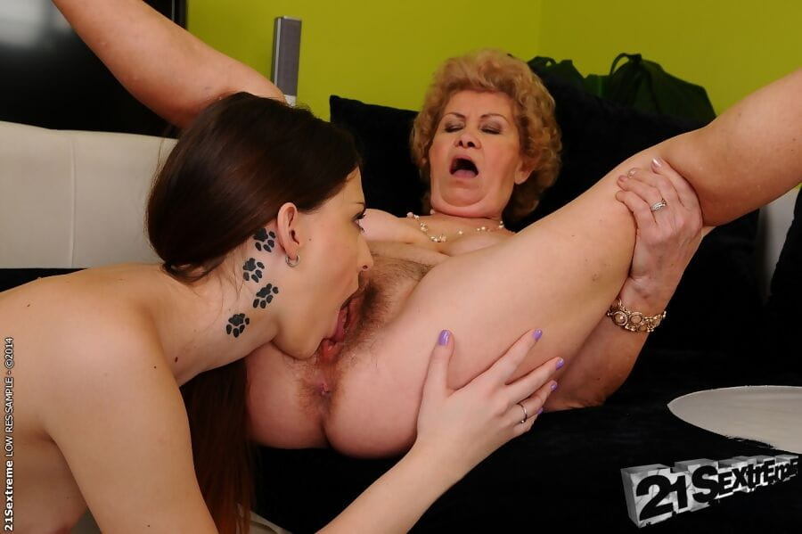 Female-on-female fuck features juvenile darling and a passionate established Effie in high heels