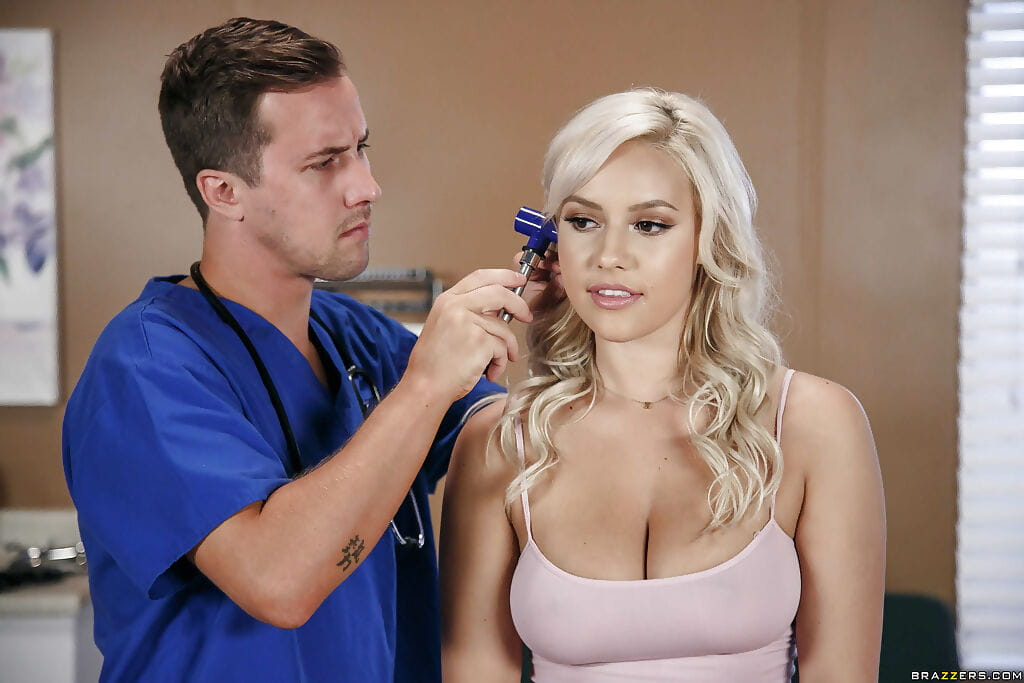 Fairy young Kylie Page and pornstar Julia Ann have Male+Male+Female with doctor