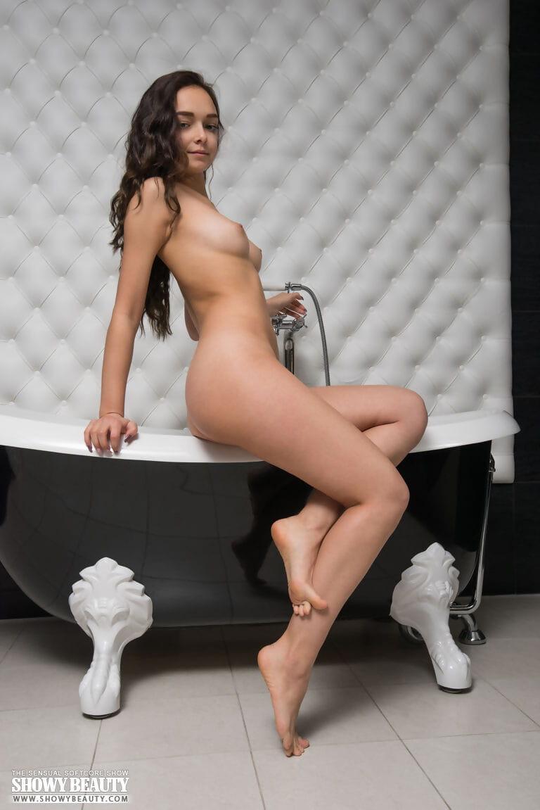 Posing sooner than the washroom - part 135