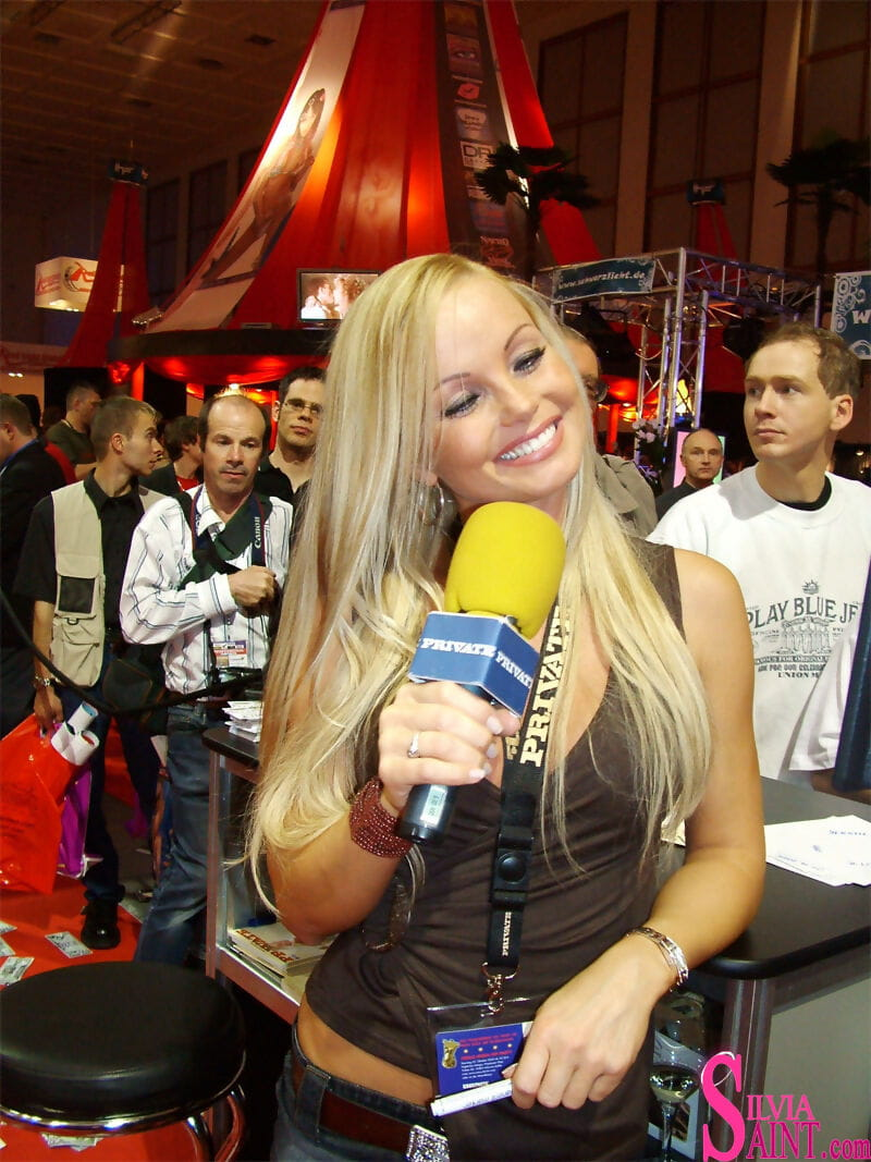 Celebrated pornstar Silvia Saint greets adoring paramours at an XXX convention